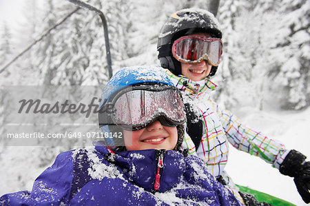 Portrait of snow covered sisters, Villaroger, Hauste Savoie, France Stock Photo - Premium Royalty-Free, Image code: 649-07118142