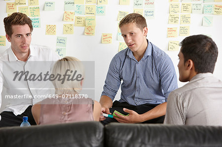 Colleagues having discussion Stock Photo - Premium Royalty-Free, Image code: 649-07118370