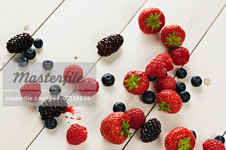Strawberries, raspberries, blackberries and blueberries still life Stock Photo - Premium Royalty-Free, Image code: 649-07119020