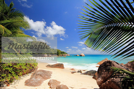 Secluded beach, Praslin Island, Seychelles Stock Photo - Premium Royalty-Free, Image code: 649-07239209