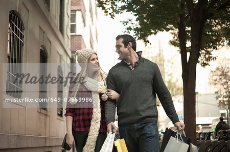 Young tourist couple arm in arm, New York City, USA Stock Photo - Premium Royalty-Free, Image code: 649-07559986