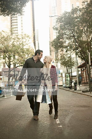 Young tourist couple with shopping bags, New York City, USA Stock Photo - Premium Royalty-Free, Image code: 649-07559987