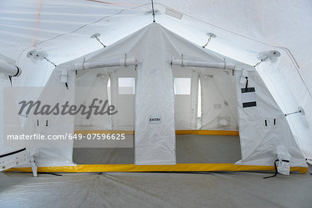 Emergency Response Team control tent Stock Photo - Premium Royalty-Free, Image code: 649-07596625
