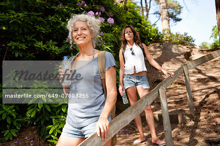 Mother and daughter on footpath, The Blue Pool, Wareham, Dorset, United Kingdom Stock Photo - Premium Royalty-Free, Image code: 649-07803255