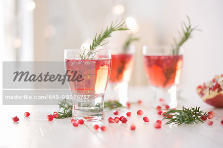 Sparkling rose wine spiced with rosemary and pomegranate Stock Photo - Premium Royalty-Free, Image code: 649-08084787