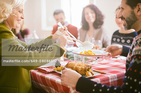 Family Christmas party Stock Photo - Premium Royalty-Free, Image code: 649-08086572