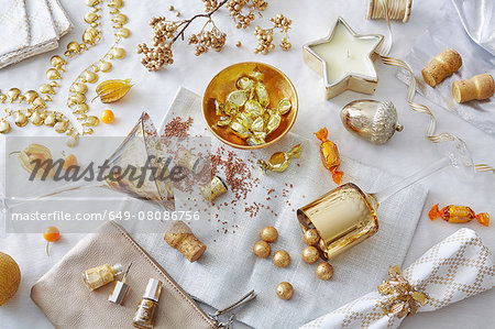 White and gold colored still life with confectionery and variety of objects Stock Photo - Premium Royalty-Free, Image code: 649-08086756