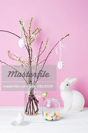 Still life of blossom twigs, Easter bunny and birds Stock Photo - Premium Royalty-Free, Image code: 649-08119339