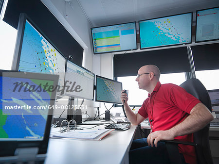 Operator in offshore windfarm control room Stock Photo - Premium Royalty-Free, Image code: 649-08125531
