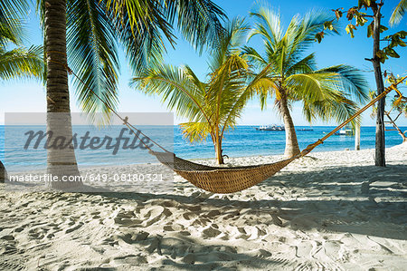 Hammock on tropical beach, Cebu, Philippines Stock Photo - Premium Royalty-Free, Image code: 649-08180321