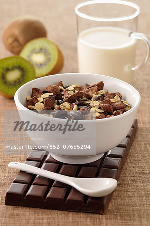 Chocolate muesli Stock Photo - Premium Royalty-Free, Image code: 652-07655294
