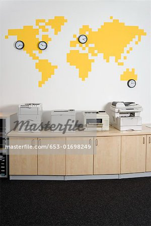 Photocopiers in an office Stock Photo - Premium Royalty-Free, Image code: 653-01698249