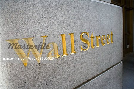 Sign for 'Wall Street', Manhattan, New York City Stock Photo - Premium Royalty-Free, Image code: 653-02835915