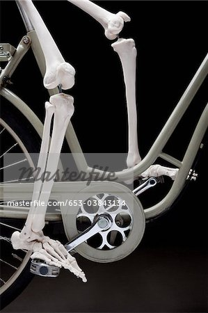 A skeleton on a bicycle, low section Stock Photo - Premium Royalty-Free, Image code: 653-03843134