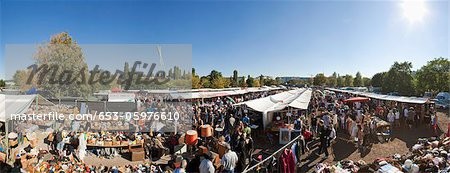 Mauerpark flea market in Prenzlauer Berg, Berlin Stock Photo - Premium Royalty-Free, Image code: 653-05976610