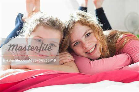 Sisters portrait Stock Photo - Premium Royalty-Free, Image code: 653-06533749