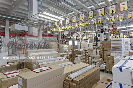 Packaged warehouse store goods Stock Photo - Premium Royalty-Free, Image code: 653-06534510