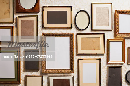 Various empty picture frames, close-up Stock Photo - Premium Royalty-Free, Image code: 653-07233845