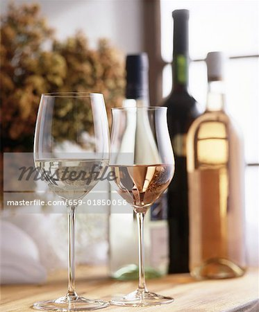 Still life with white wine and rosé wine Stock Photo - Premium Royalty-Free, Image code: 659-01850056