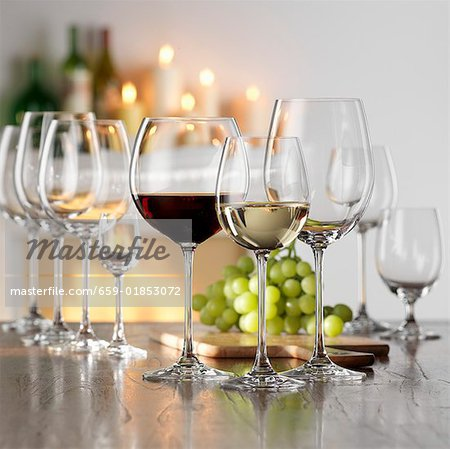 Still life with red and white wine in glasses Stock Photo - Premium Royalty-Free, Image code: 659-01853072