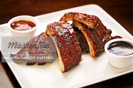 Ribs, Close Up, with Barbecue Sauce Stock Photo - Premium Royalty-Free, Image code: 659-06493865