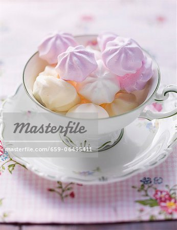 Various different coloured meringues in a cup Stock Photo - Premium Royalty-Free, Image code: 659-06495411