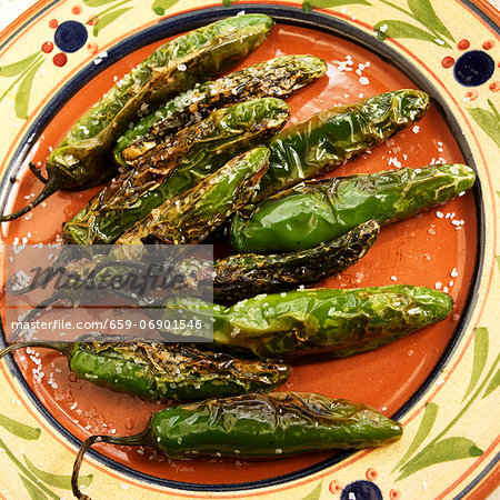 Pimentos Fritos; Fried Green Chilies with Salt Stock Photo - Premium Royalty-Free, Image code: 659-06901546