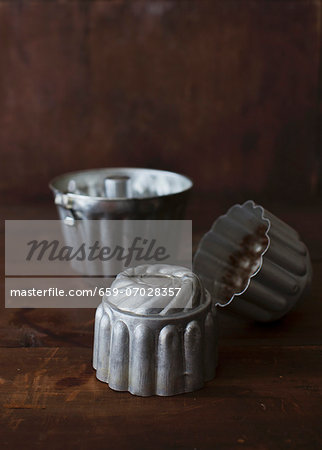 Baking tins Stock Photo - Premium Royalty-Free, Image code: 659-07028357
