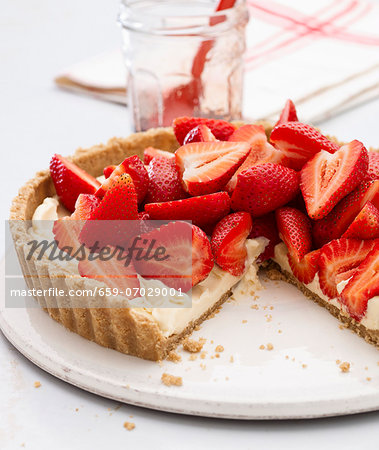 Strawberry Lemon Curd Tart Stock Photo - Premium Royalty-Free, Image code: 659-07029001