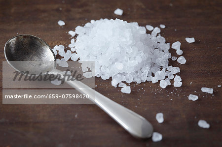 Sea salt and a spoon Stock Photo - Premium Royalty-Free, Image code: 659-07598420