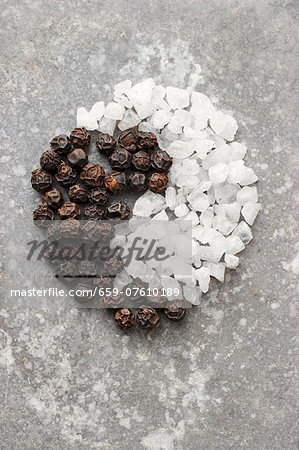 A Yin-Yang symbol made from pepper and salt Stock Photo - Premium Royalty-Free, Image code: 659-07610189