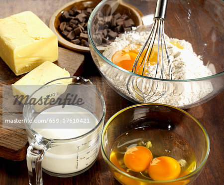 Ingredients for chocolate chip brioche Stock Photo - Premium Royalty-Free, Image code: 659-07610421