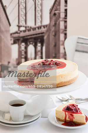 New York cheesecake and coffee (USA) Stock Photo - Premium Royalty-Free, Image code: 659-08147730