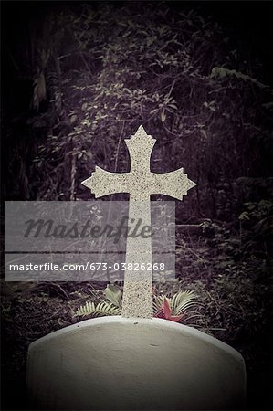 cross in mexican cemetery Stock Photo - Premium Royalty-Free, Image code: 673-03826268