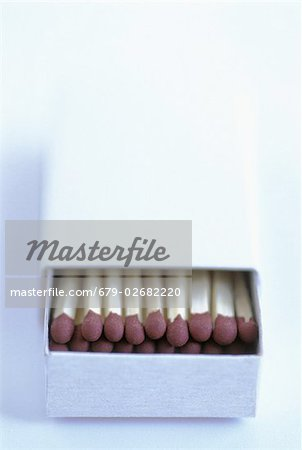 Matches. Open box of matches. Stock Photo - Premium Royalty-Free, Image code: 679-02682220