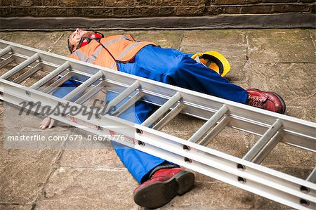 Work place accident. Stock Photo - Premium Royalty-Free, Image code: 679-06673776