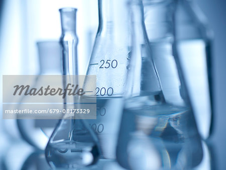 Laboratory glassware containing liquids. Stock Photo - Premium Royalty-Free, Image code: 679-08173329