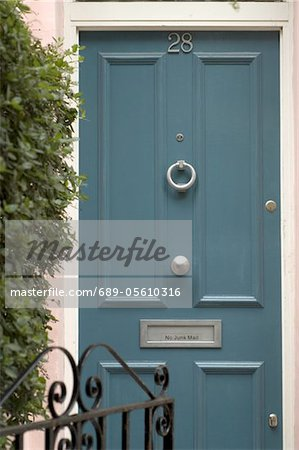 Closed front door Stock Photo - Premium Royalty-Free, Image code: 689-05610316