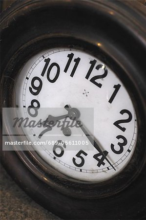 Clock face Stock Photo - Premium Royalty-Free, Image code: 689-05611005