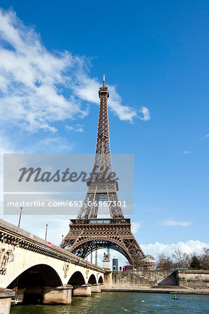 Eiffel Tower and River Seine in Paris, France Stock Photo - Premium Royalty-Free, Image code: 693-06967301
