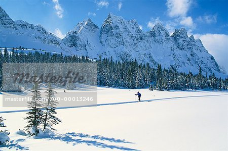 Cross-Country Skier in Tonquin Valley, Jasper National Park Alberta, Canada Stock Photo - Rights-Managed, Image code: 700-00013246