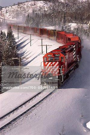 Train in Winter    Stock Photo - Premium Rights-Managed, Artist: Greg Stott, Code: 700-00165560