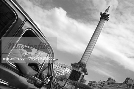 Car at Trafalgar Square London, England Stock Photo - Rights-Managed, Image code: 700-00185001