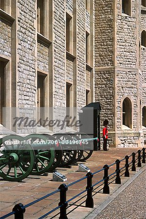 Tower Guard and Cannons Tower of London London, England Stock Photo - Rights-Managed, Image code: 700-00196745