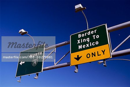 Border Crossing Sign    Stock Photo - Premium Rights-Managed, Artist: Steve Craft, Code: 700-00279881