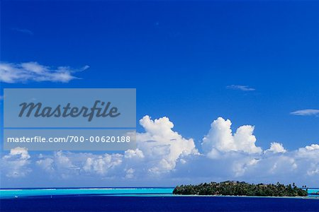 Island against Horizon, Bora Bora, French Polynesia, South Pacific
