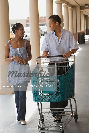 Couple Grocery Shopping Stock Photo - Rights-Managed, Image code: 700-01236515