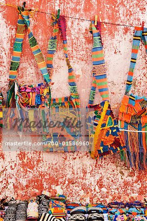Crafts For Sale, Cartagena, Columbia    Stock Photo - Premium Rights-Managed, Artist: Jeremy Woodhouse, Code: 700-01586960