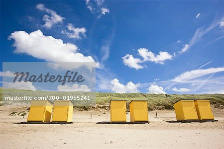 Dressing Cabins on Beach, Callantsoog, North Holland, Netherlands Stock Photo - Rights-Managed, Image code: 700-01955241