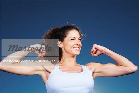 Biceps Female Flexing Whozwho Live